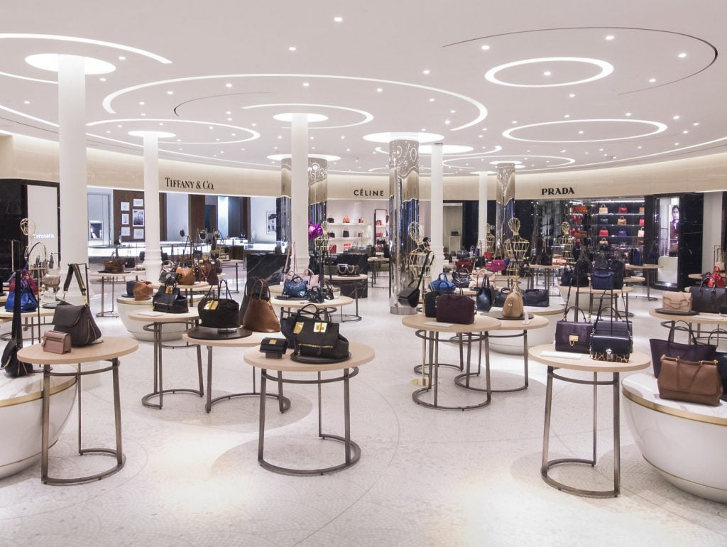 Energy efficient lighting for retail stores